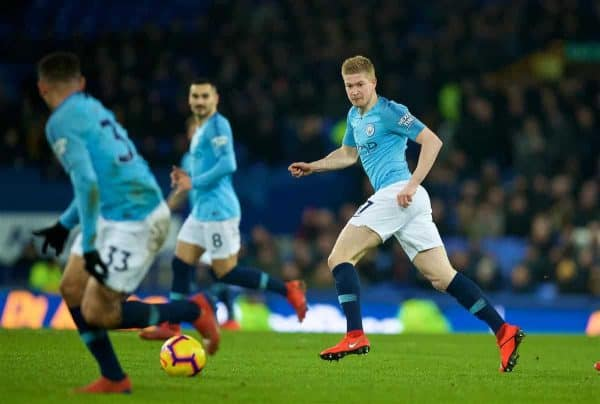 LIVERPOOL, ENGLAND - Wednesday, February 6, 2019: Manchester City's Kevin De Bruyne plays a ball for Gabriel Jesus to score the second goal during the FA Premier League match between Everton FC and Manchester City FC at Goodison Park. (Pic by David Rawcliffe/Propaganda)