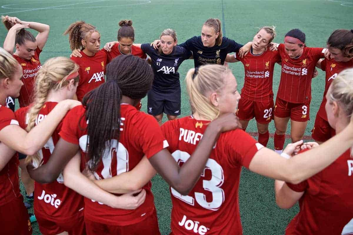 BOSTON, MASSACHUSETTS, USA - Monday, July 22, 2019: Liverpool's manager Vicky Jepson and her squad before a friendly match between Liverpool FC Women and Metropolitan Conference All Stars at Jordan Field at the Harvard Stadium on day seven of the club's pre-season tour of America. (Pic by David Rawcliffe/Propaganda)