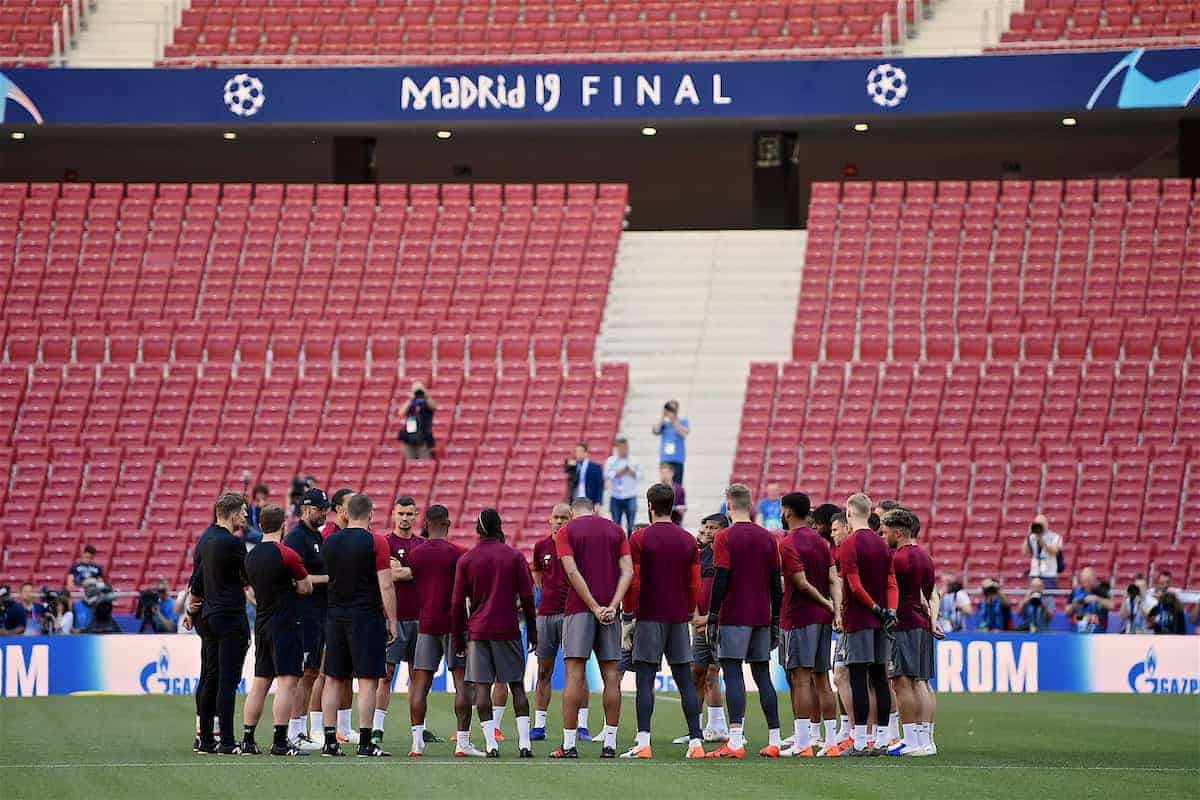 MADRID, SPAIN - Friday, May 31, 2019: Liverpool's manager Jürgen Klopp speaks to his team during a training session ahead of the UEFA Champions League Final match between Tottenham Hotspur FC and Liverpool FC at the Estadio Metropolitano. (Pic by Handout/UEFA)
