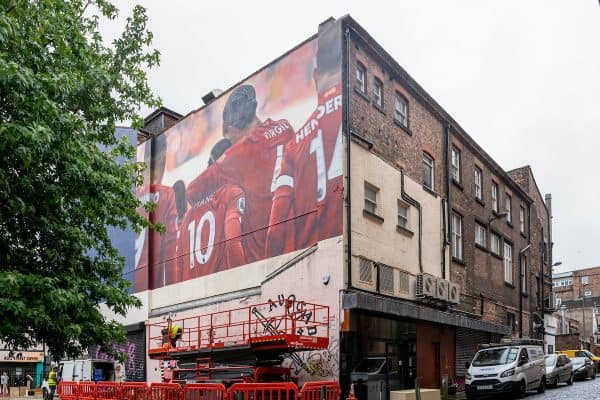 LIVERPOOL, ENGLAND - Wednesday, July 8, 2020: A new mural featuring Liverpool FC's Sadio Mané and Virgil van Dijk pictured being installed on Bold Street in Liverpool city centre. The piece will be part of a campaign by club sponsor Nivia. Liverpool recently won their 19th League title by winning the 2019/20 FA Premier League. (Pic by David Rawcliffe/Propaganda)