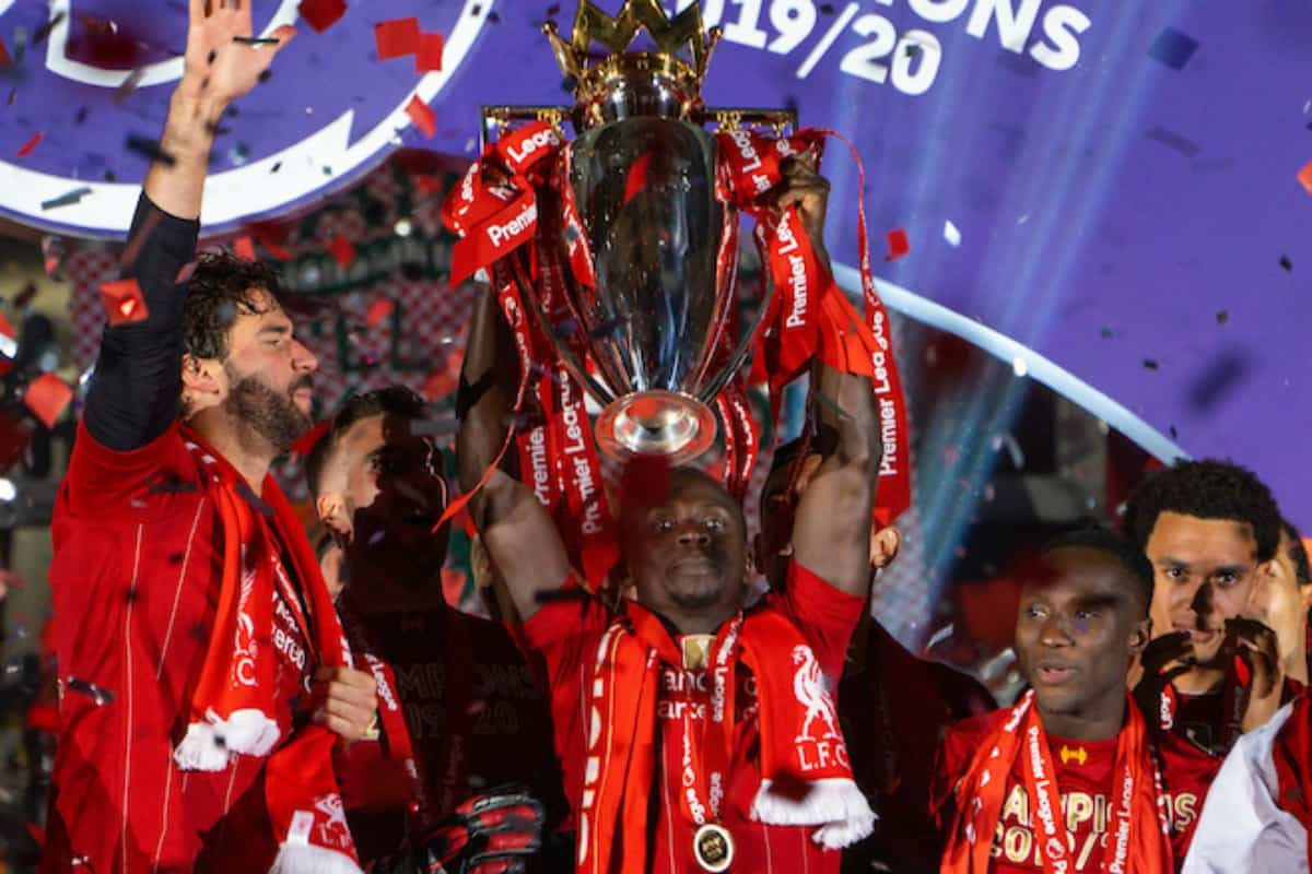 LIVERPOOL, ENGLAND - Wednesday, July 22, 2020: Liverpool's Sadio Mané lifts the Premier League trophy during the presentation as the Reds are crowned Champions after the FA Premier League match between Liverpool FC and Chelsea FC at Anfield. The game was played behind closed doors due to the UK government's social distancing laws during the Coronavirus COVID-19 Pandemic. (Pic by David Rawcliffe/Propaganda)