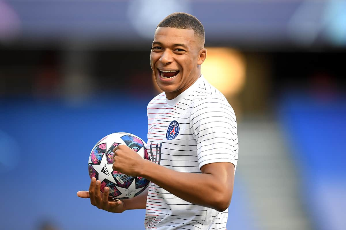 LISBON, PORTUGAL - Sunday, August 23, 2020: Paris Saint-Germain's Kylian Mbappe before the UEFA Champions League Final between FC Bayern Munich and Paris Saint-Germain at the Estadio do Sport Lisboa e Benfica. (Credit: ©UEFA)