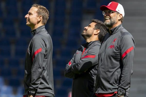 SALZBURG, AUSTRIA - Tuesday, August 25, 2020: Liverpool's first-team development coach Pepijn Lijnders (L), elite development coach Vitor Matos (C) and manager Jürgen Klopp (R) before a preseason friendly match between FC Red Bull Salzburg and Liverpool FC at the Red Bull Arena. (Pic by Propaganda)