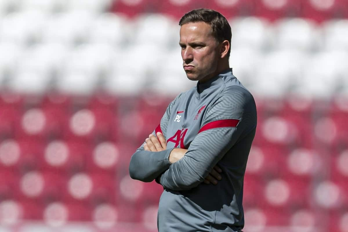 SALZBURG, AUSTRIA - Tuesday, August 25, 2020: Liverpool's first-team development coach Pepijn Lijnders during the pre-match warm-up before a preseason friendly match between FC Red Bull Salzburg and Liverpool FC at the Red Bull Arena. (Pic by Propaganda)