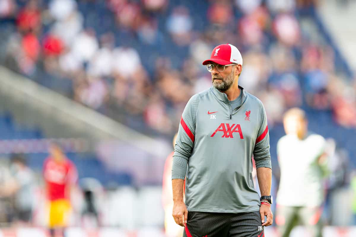 SALZBURG, AUSTRIA - Tuesday, August 25, 2020: Liverpool's manager Jürgen Klopp during the pre-match warm-up before a preseason friendly match between FC Red Bull Salzburg and Liverpool FC at the Red Bull Arena. (Pic by Propaganda)