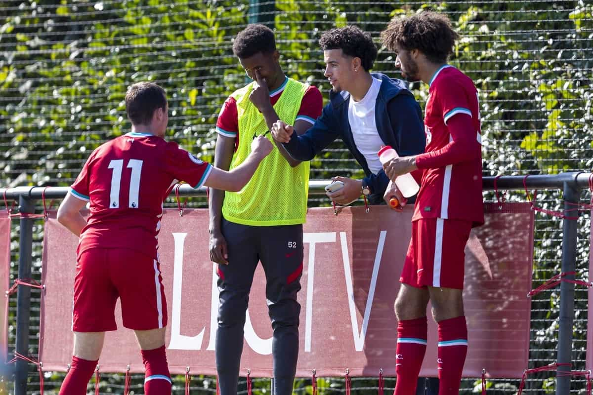 KIRKBY, ENGLAND - Sunday, September 13, 2020: Liverpool's Curtis Jones (C) chats with Liam Millar (L) and Remi Savage (R) during the Premier League 2 Division 1 match between Liverpool FC Under-23's and Everton FC Under-23's at the Liverpool Academy. Liverpool won 1-0. (Pic by David Rawcliffe/Propaganda)