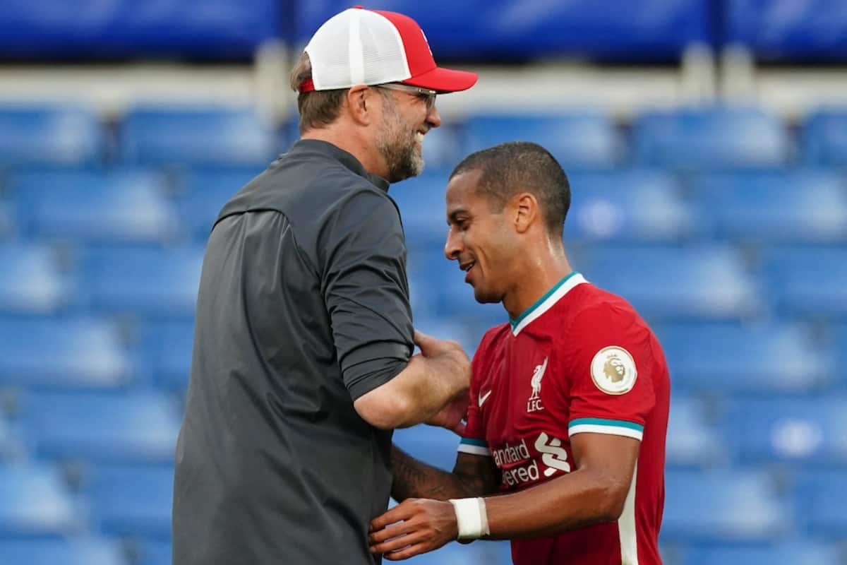 LONDON, ENGLAND - Sunday, September 20, 2020: Liverpool's manager Jürgen Klopp embraces Thiago Alcantara after the FA Premier League match between Chelsea FC and Liverpool FC at Stamford Bridge. The game was played behind closed doors due to the UK government's social distancing laws during the Coronavirus COVID-19 Pandemic. Liverpool won 2-0. (Pic by Propaganda)