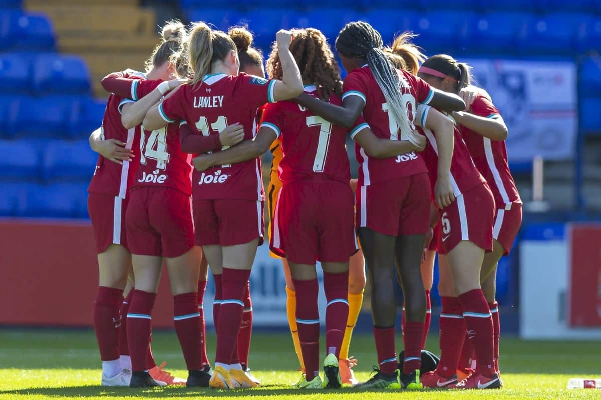 BIRKENHEAD, ENGLAND - Sunday, September 27, 2020: Liverpool players form a pre-match huddle before the FA Women's Championship game between Liverpool FC Women and Charlton Athletic Women FC at Prenton Park. Liverpool won 4-0. (Pic by David Rawcliffe/Propaganda)