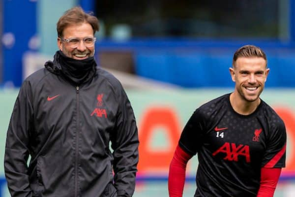 LIVERPOOL, ENGLAND - Saturday, October 17, 2020: Liverpool's manager Jürgen Klopp (L) and captain Jordan Henderson before the FA Premier League match between Everton FC and Liverpool FC, the 237th Merseyside Derby, at Goodison Park. The game was played behind closed doors due to the UK government's social distancing laws during the Coronavirus COVID-19 Pandemic. The game ended in a 2-2 draw. (Pic by David Rawcliffe/Propaganda)
