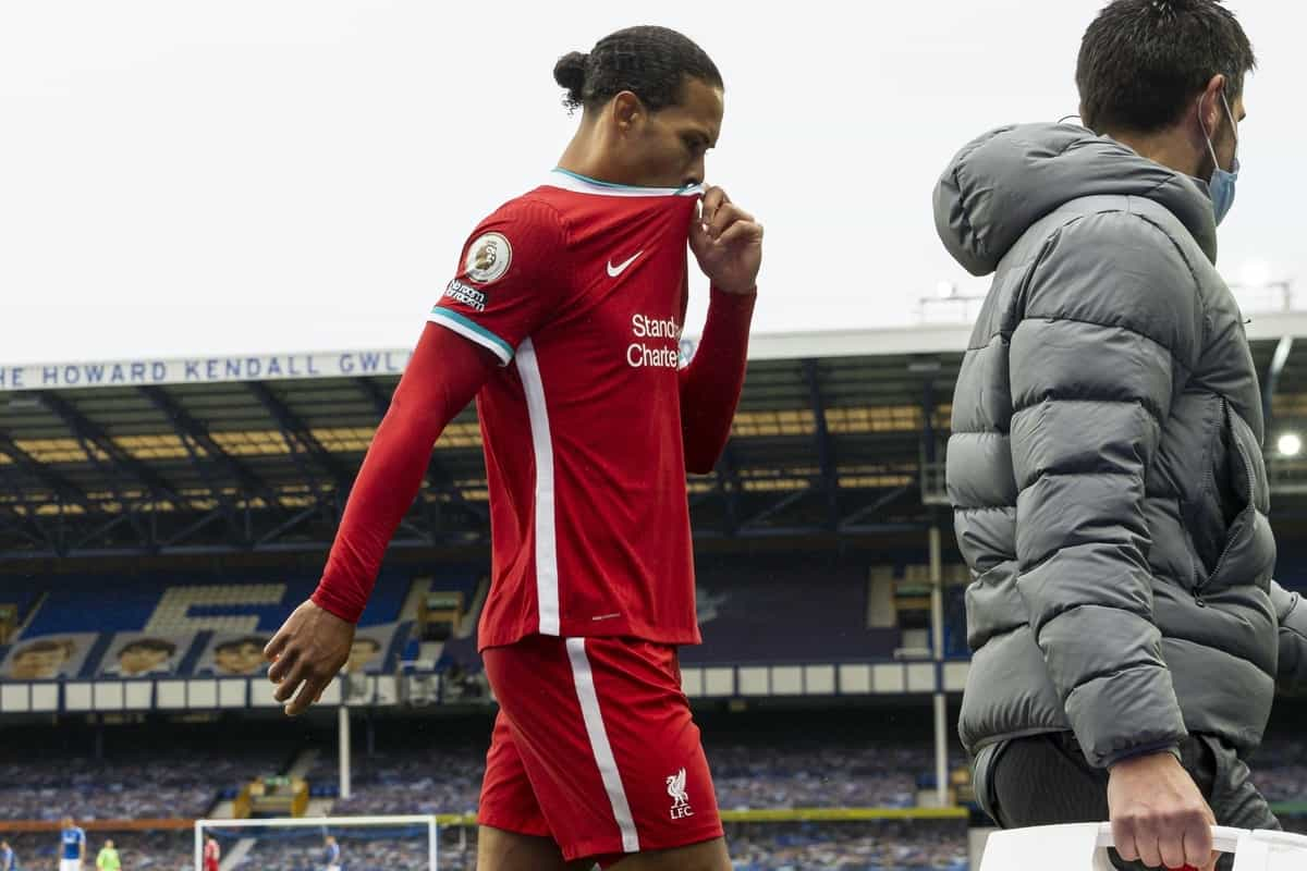 LIVERPOOL, ENGLAND - Saturday, October 17, 2020: Liverpool's Virgil van Dijk walks off injured during the FA Premier League match between Everton FC and Liverpool FC, the 237th Merseyside Derby, at Goodison Park. The game was played behind closed doors due to the UK government's social distancing laws during the Coronavirus COVID-19 Pandemic. The game ended in a 2-2 draw. (Pic by David Rawcliffe/Propaganda)