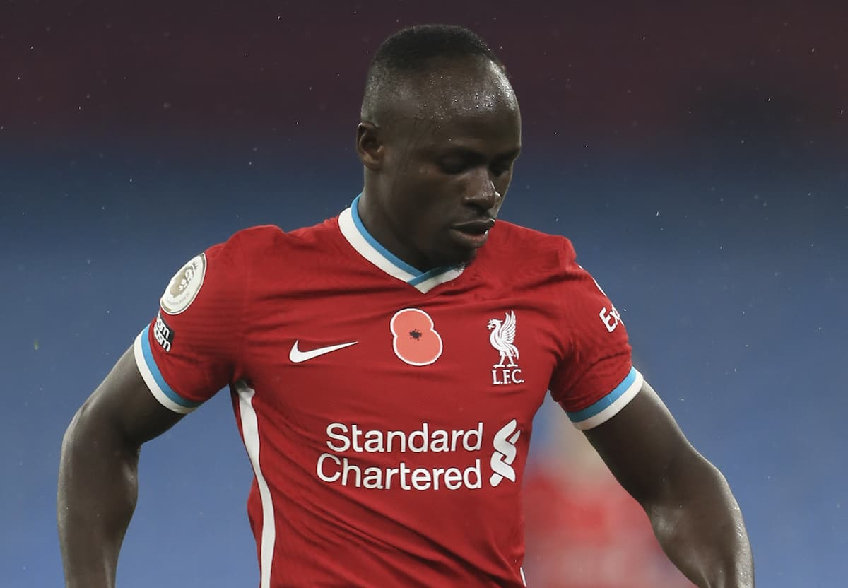 MANCHESTER, ENGLAND - Sunday, November 8, 2020: Liverpool's Sadio Mané during the FA Premier League match between Manchester City FC and Liverpool FC at the City of Manchester Stadium. The game was played behind closed doors due to the UK government's social distancing laws during the Coronavirus COVID-19 Pandemic. The game ended in a 1-1 draw. (Pic by Propaganda)