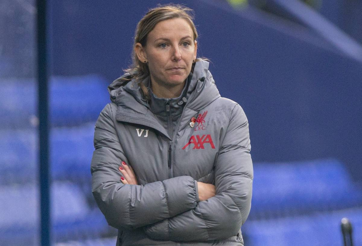 BIRKENHEAD, ENGLAND - Sunday, November 8, 2020: Liverpool's manager Vicky Jepson during the FA Women's Championship game between Liverpool FC Women and Sheffield United Women FC at Prenton Park. Liverpool won 1-0. (Pic by David Rawcliffe/Propaganda)