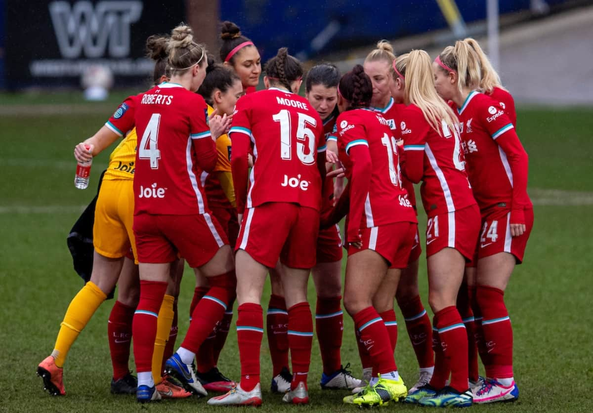 BIRKENHEAD, ENGLAND - Sunday, March 14, 2021: Liverpool players form a pre-match huddle before the FA Women's Championship game between Liverpool FC Women and Coventry United Ladies FC at Prenton Park. Liverpool won 5-0. (Pic by David Rawcliffe/Propaganda)