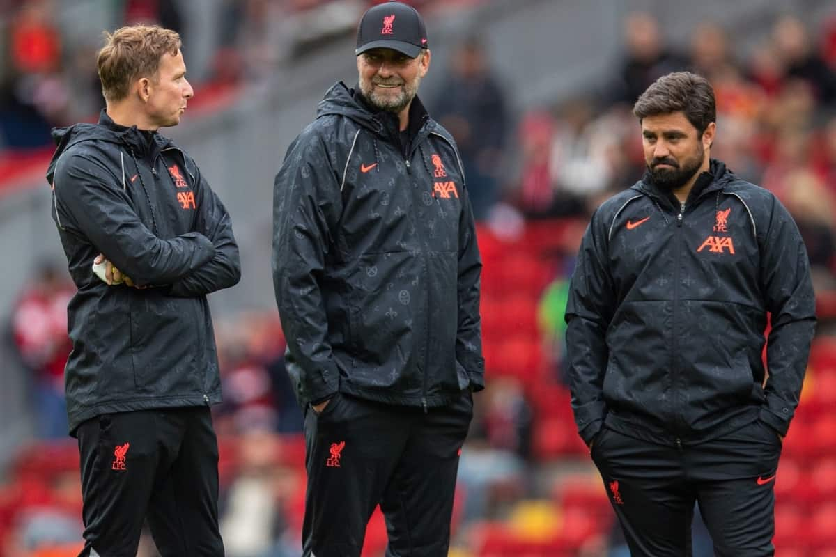 LIVERPOOL, ENGLAND - Sunday, August 8, 2021: Liverpool's manager Jürgen Klopp (C) with first-team development coach Pepijn Lijnders (L) and elite development coach Vitor Matos (R) during the pre-match warm-up before a pre-season friendly match between Liverpool FC and Athletic Club de Bilbao at Anfield. The game ended in a 1-1 draw. (Pic by David Rawcliffe/Propaganda)