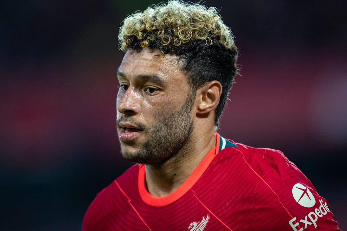 LIVERPOOL, ENGLAND - Monday, August 9, 2021: Liverpool's Alex Oxlade-Chamberlain during a pre-season friendly match between Liverpool FC and Club Atlético Osasuna at Anfield. (Pic by David Rawcliffe/Propaganda)