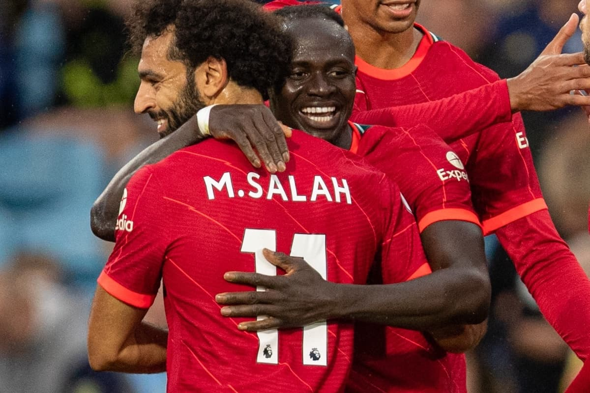 LEEDS, ENGLAND - Sunday, September 12, 2021: Liverpool's Stdio Mané celebrates after scoring the third goal with team-mate Mohamed Salah during the FA Premier League match between Leeds United FC and Liverpool FC at Elland Road. Liverpool won 3-0. (Pic by David Rawcliffe/Propaganda)