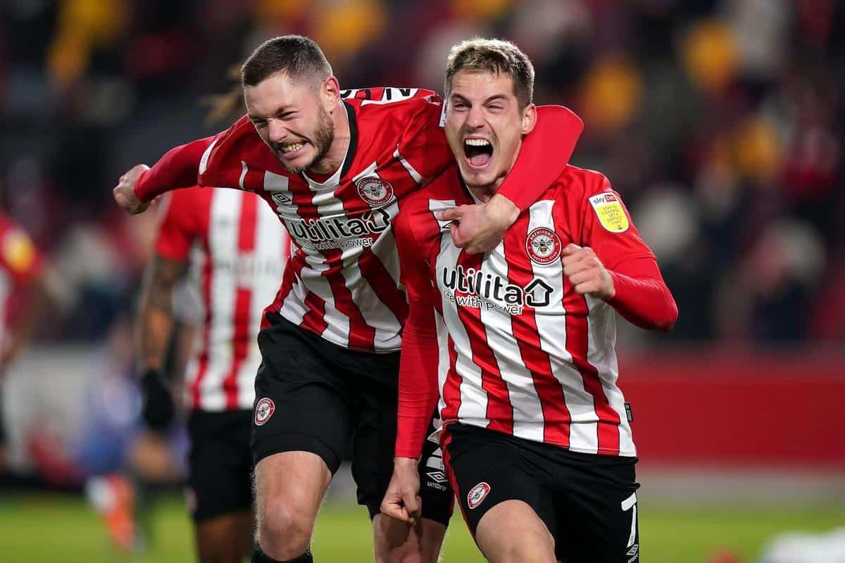 2FY1MY9 File photo dated 05-12-2020 of Brentford's Henrik Dalsgaard (left) and Sergi Canos. Issue date: Thursday May 27, 2021.