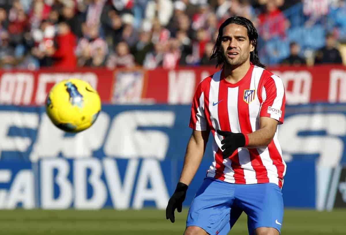 04.02.2011, Vicente Calderon Stadion, Madrid, ESP, Primera Division, Atletico Madrid vs Rayo Vallecano, 15. Spieltag, im Bild Falcao // during the football match of spanish 'primera divison' league, 15th round, between Atletico Madrid and Rayo Vallecano at Vicente Calderon stadium, Madrid, Spain on 2011/12/04. EXPA Pictures © 2011, PhotoCredit: EXPA/ Alterphotos/ Alex Cid-Fuentes..***** ATTENTION - OUT OF ESP and SUI *****