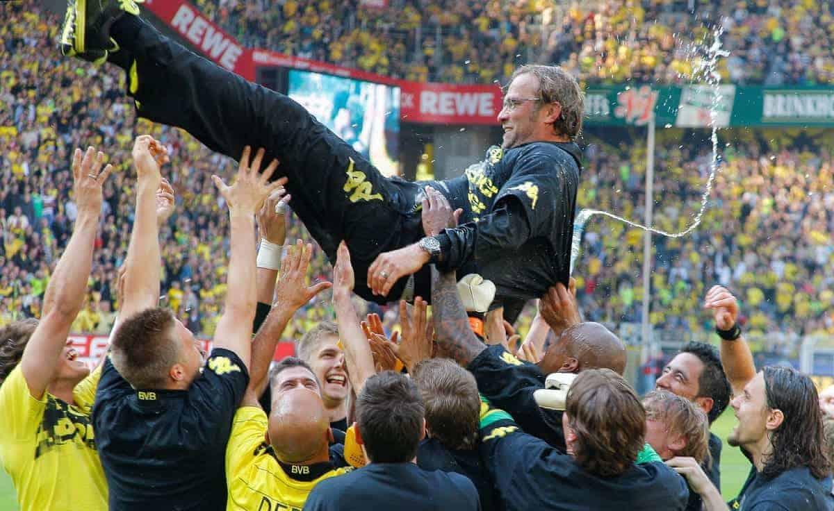 30.04.2011, Signal Iduna Park, Dortmund, GER, 1.FBL, Borussia Dortmund vs 1. FC Nuernberg, im Bild die Dortmunder Mannschaft feiert Dortmunds Trainer Jurgen / Juergen Klopp (GER) und wirft ihn hoch, er ist na? von einer Bierdusche, EXPA Pictures (C) 2011, PhotoCredit: EXPA/ nph/ Scholz ****** out of GER / SWE / CRO / BEL ******