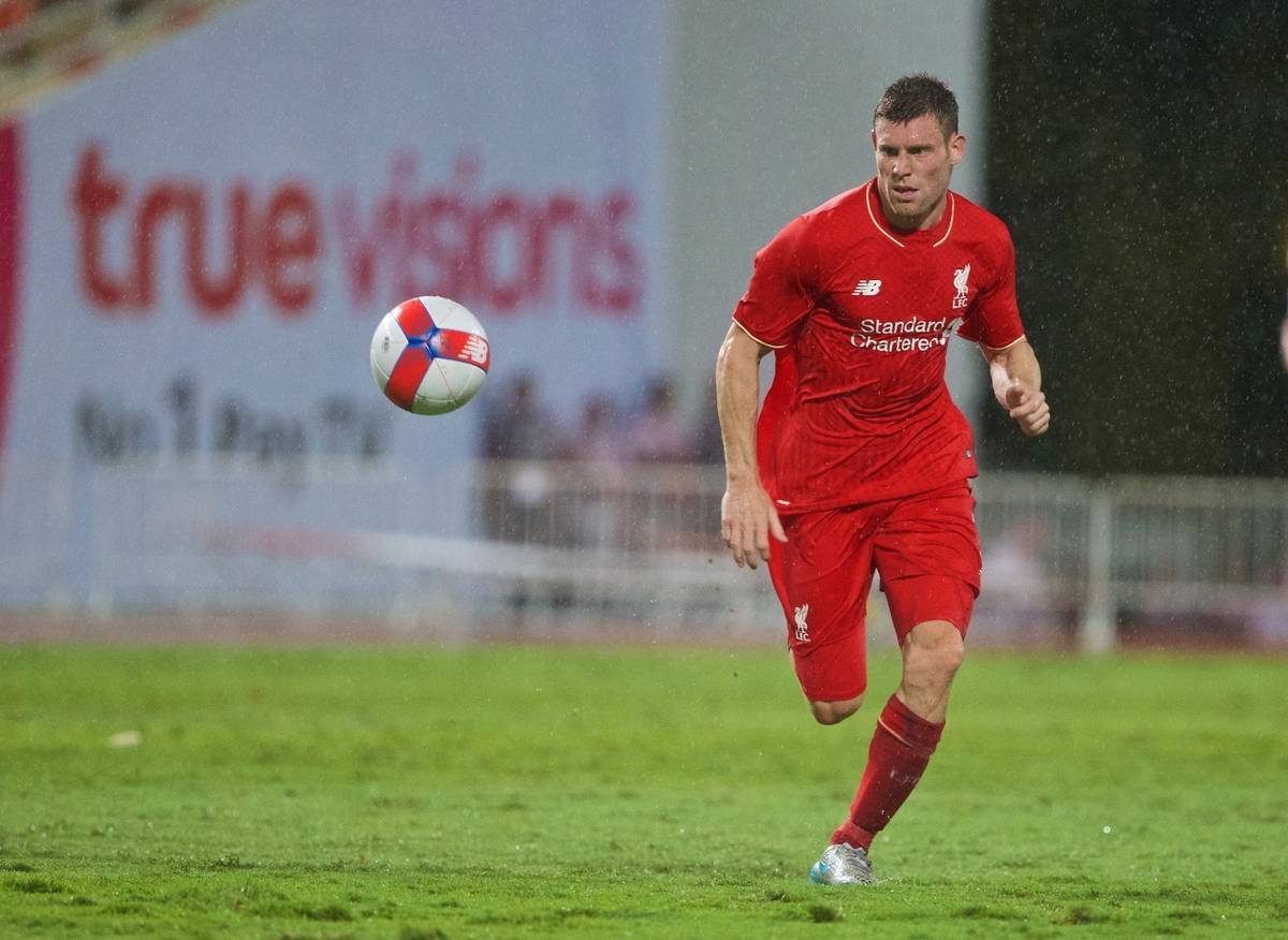 BANGKOK, THAILAND - Tuesday, July 14, 2015: Liverpool's James Milner in action against True Thai Premier League All Stars during the True Super Trophy match at the Rajamangala National Stadium on day two of the club's preseason tour. (Pic by David Rawcliffe/Propaganda)