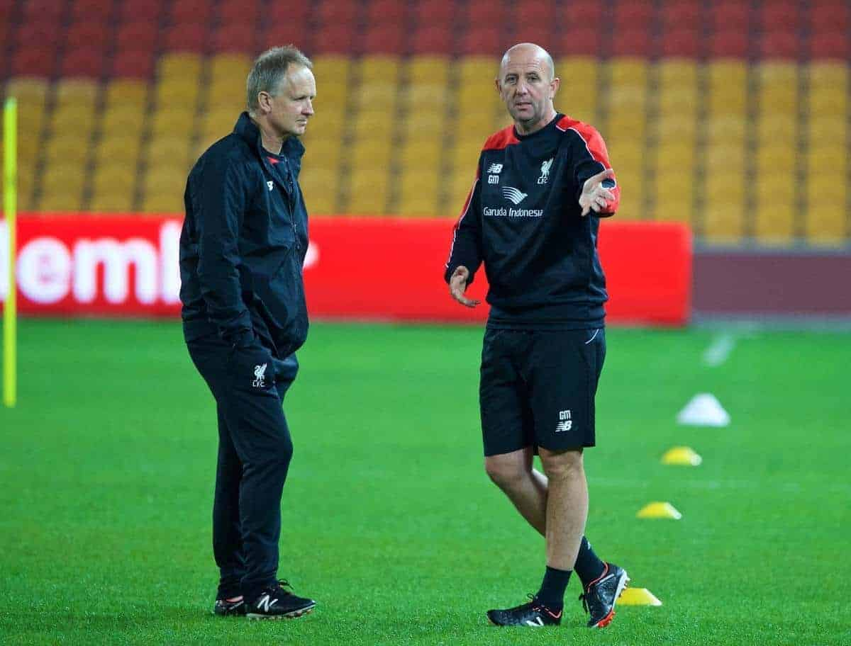 BRISBANE, AUSTRALIA - Thursday, July 16, 2015: Liverpool's assistant manager Sean O'Driscoll and first team coach Gary McAllister during a training session at the Suncorp Stadium in Brisbane on day four of the club's preseason tour. (Pic by David Rawcliffe/Propaganda)