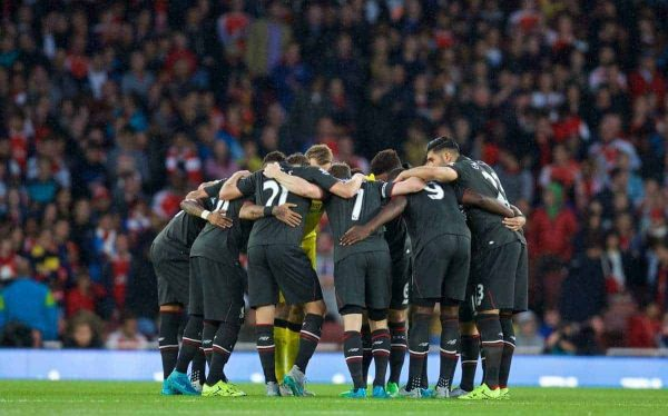 LONDON, ENGLAND - Monday, August 24, 2015: Liverpool players form a pre-match huddle during the Premier League match against Arsenal at the Emirates Stadium. (Pic by David Rawcliffe/Propaganda)
