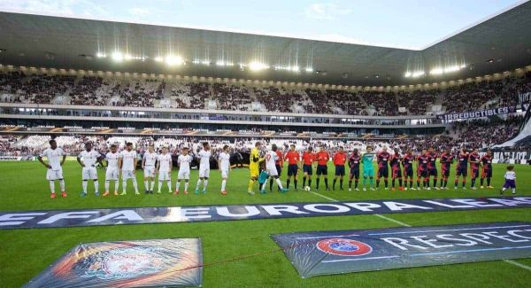 BORDEAUX, FRANCE - Thursday, September 17, 2015: Liverpool and FC Girondins de Bordeaux players before the UEFA Europa League Group Stage Group B match at the Nouveau Stade de Bordeaux. (Pic by David Rawcliffe/Propaganda)
