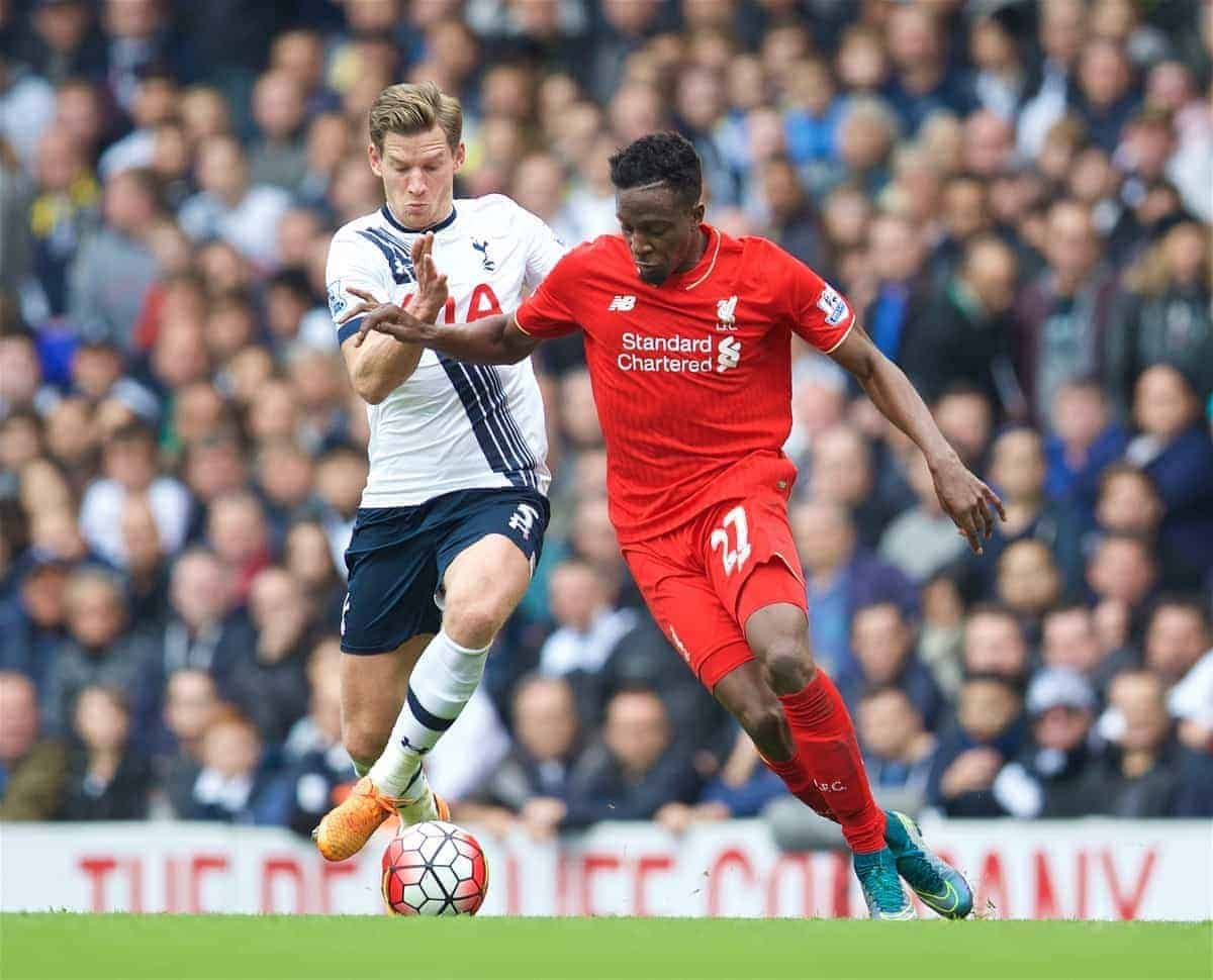 LONDON, ENGLAND - Saturday, October 17, 2015: Liverpool's Divock Origi in action against Tottenham Hotspur's captain Jan Vertonghen during the Premier League match at White Hart Lane. (Pic by David Rawcliffe/Kloppaganda)