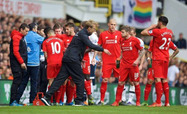 LONDON, ENGLAND - Saturday, October 17, 2015: Liverpool's manager Jürgen Klopp coaches his players during the Premier League match against Tottenham Hotspur at White Hart Lane. (Pic by David Rawcliffe/Kloppaganda)