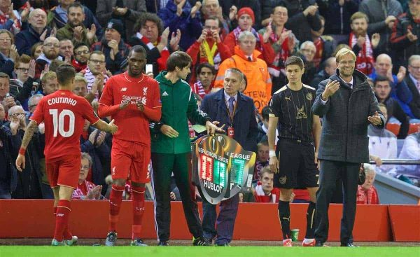 LIVERPOOL, ENGLAND - Thursday, October 22, 2015: Liverpool's manager Jürgen Klopp issues instructions during the UEFA Europa League Group Stage Group B match against Rubin Kazan at Anfield. (Pic by David Rawcliffe/Propaganda)