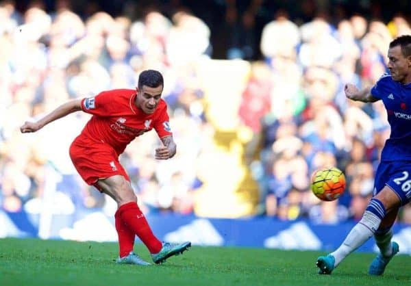 LONDON, ENGLAND - Saturday, October 31, 2015: Liverpool's Philippe Coutinho Correia scores the second goal against Chelsea during the Premier League match at Stamford Bridge. (Pic by David Rawcliffe/Propaganda)