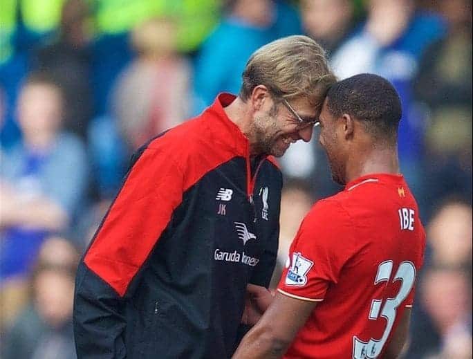 LONDON, ENGLAND - Saturday, October 31, 2015: Liverpool's manager Jürgen Klopp celebrates with Jordon Ibe after the 3-1 victory over Chelsea during the Premier League match at Stamford Bridge. (Pic by David Rawcliffe/Propaganda)