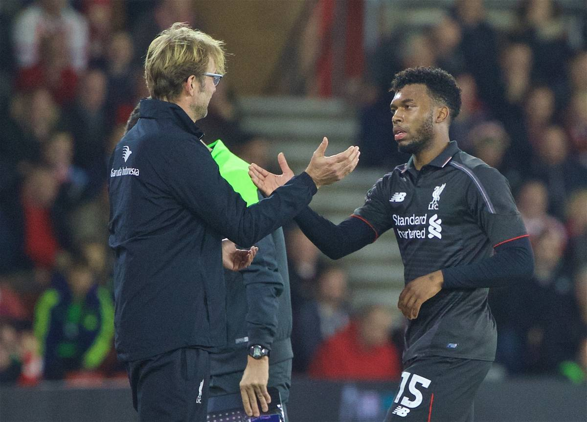 SOUTHAMPTON, ENGLAND - Wednesday, December 2, 2015: Liverpool's two-goal hero shakes hands with manager Jürgen Klopp as he is substituted against Southampton during the Football League Cup Quarter-Final match at St. Mary's Stadium. (Pic by David Rawcliffe/Propaganda)