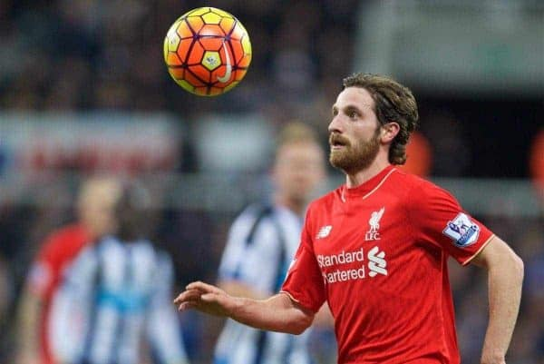 NEWCASTLE-UPON-TYNE, ENGLAND - Sunday, December 6, 2015: Liverpool's Joe Allen in action against Newcastle United during the Premier League match at St. James' Park. (Pic by David Rawcliffe/Propaganda)