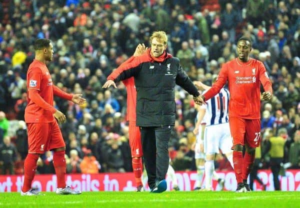 LIVERPOOL, ENGLAND - Sunday, December 13, 2015: Liverpool's manager Jürgen Klopp and players hand in hand thanking supporters after the Premier League match against West Bromwich Albion at Anfield. (Pic by James Maloney/Propaganda)