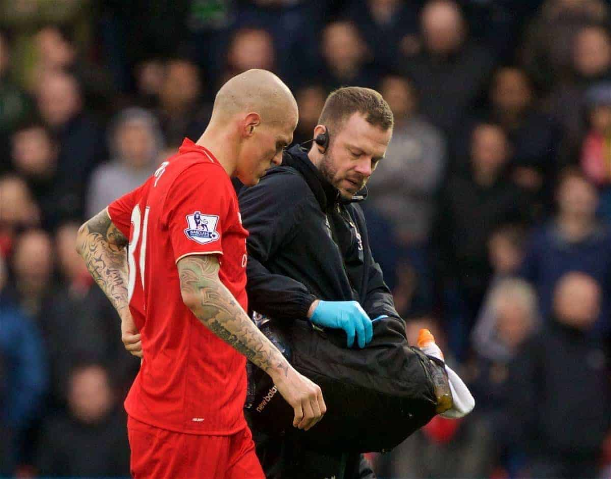 WATFORD, ENGLAND - Sunday, December 20, 2015: Liverpool's Martin Skrtel goes off injured during the Premier League match against Watford at Vicarage Road. (Pic by David Rawcliffe/Propaganda)