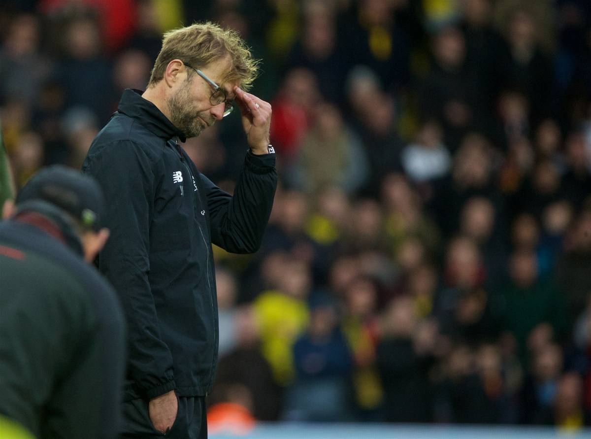 WATFORD, ENGLAND - Sunday, December 20, 2015: Liverpool's manager Jürgen Klopp looks dejected as his side's slump to a humiliating 3-0 defeat by Watford during the Premier League match at Vicarage Road. (Pic by David Rawcliffe/Propaganda)