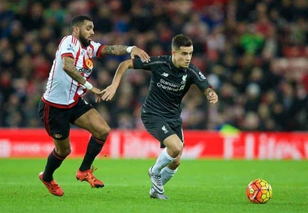 SUNDERLAND, ENGLAND - Wednesday, December 30, 2015: Liverpool's Philippe Coutinho Correia in action against Sunderland during the Premier League match at the Stadium of Light. (Pic by David Rawcliffe/Propaganda)