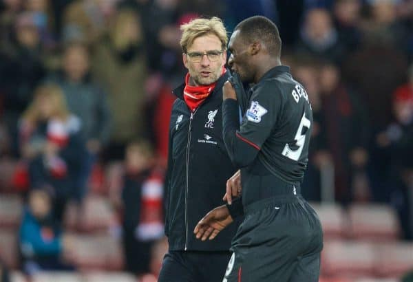 SUNDERLAND, ENGLAND - Wednesday, December 30, 2015: Liverpool's manager Jürgen Klopp chats with match-winning goal-scorer Christian Benteke after the 1-0 victory over Sunderland during the Premier League match at the Stadium of Light. (Pic by David Rawcliffe/Propaganda)