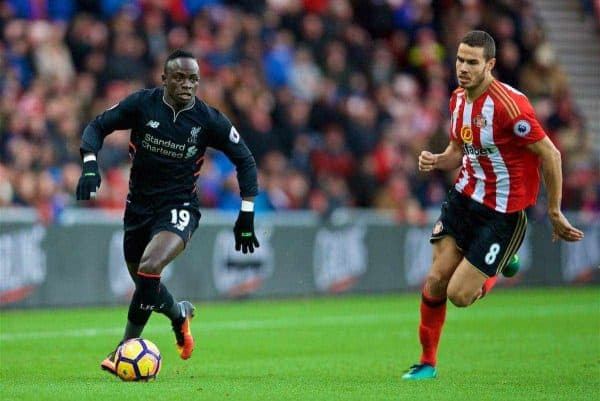 SUNDERLAND, ENGLAND - Monday, January 2, 2017: Liverpool's Sadio Mane in action against Sunderland's Jack Rodwell during the FA Premier League match at the Stadium of Light. (Pic by David Rawcliffe/Propaganda)