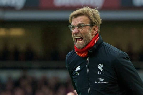 LONDON, ENGLAND - Saturday, January 2, 2016: Liverpool's manager Jürgen Klopp looks shouts at his players as his side lose 2-0 to West Ham United during the Premier League match at Upton Park. (Pic by David Rawcliffe/Propaganda)