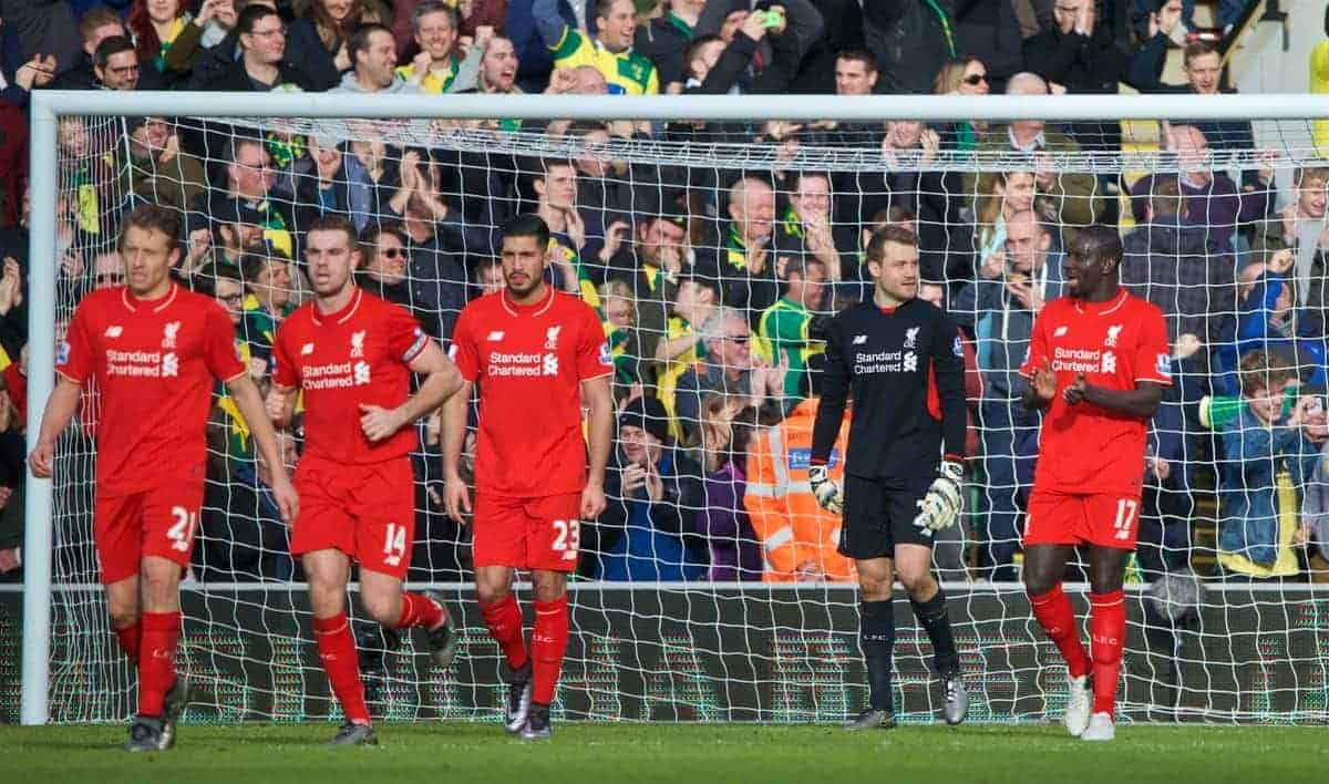NORWICH, ENGLAND - Friday, January 22, 2016: Liverpool's goalkeeper Simon Mignolet looks dejected as Norwich City score the third goal during the Premiership match at Carrow Road. (Pic by David Rawcliffe/Propaganda)