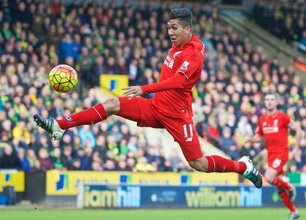 NORWICH, ENGLAND - Friday, January 22, 2016: Liverpool's Roberto Firmino controls the ball on his way to scoring the third goal against Norwich City during the Premiership match at Carrow Road. (Pic by David Rawcliffe/Propaganda)