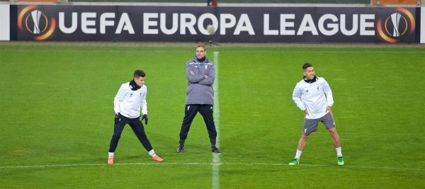 AUGSBURG, GERMANY - Wednesday, February 17, 2016: Liverpool's manager Jürgen Klopp with his Brazilian players Philippe Coutinho Correia and Roberto Firmino during a training session ahead of the UEFA Europa League Round of 32 1st Leg match against FC Augsburg at the Augsburg Arena. (Pic by David Rawcliffe/Propaganda)