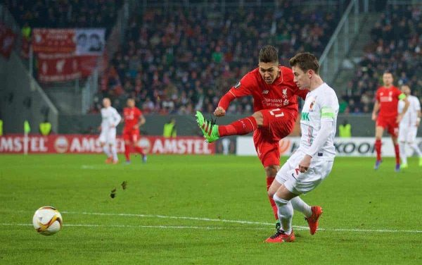 AUGSBURG, GERMANY - Thursday, February 18, 2016: Liverpool's Roberto Firmino in action against FC Augsburg during the UEFA Europa League Round of 32 1st Leg match at the Augsburg Arena. (Pic by David Rawcliffe/Propaganda)