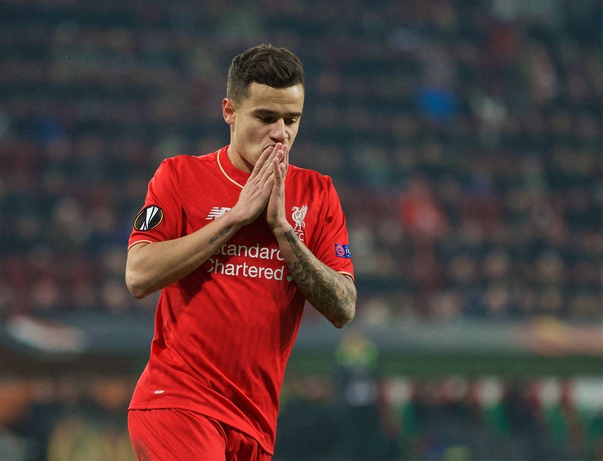 AUGSBURG, GERMANY - Thursday, February 18, 2016: Liverpool's Philippe Coutinho Correia looks dejected after missing a chance against FC Augsburg during the UEFA Europa League Round of 32 1st Leg match at the Augsburg Arena. (Pic by David Rawcliffe/Propaganda)
