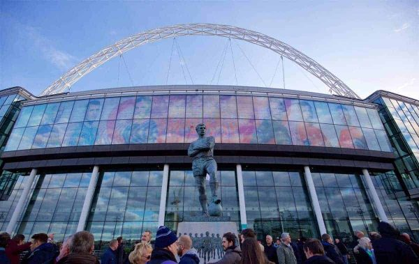 LONDON, ENGLAND - Sunday, February 28, 2016: The Bobby Moore statue before the Football League Cup Final match between Liverpool and Manchester City at Wembley Stadium. (Pic by David Rawcliffe/Propaganda)
