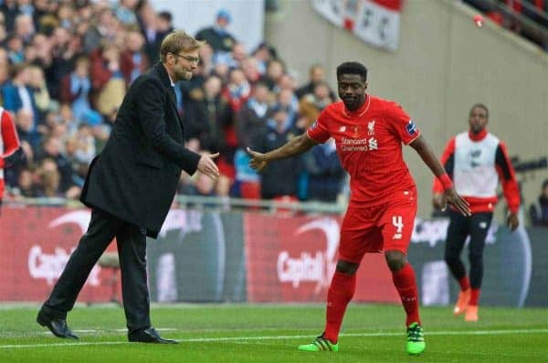 LONDON, ENGLAND - Sunday, February 28, 2016: Liverpool's manager Jürgen Klopp sends on substitute Kolo Toure against Manchester City during the Football League Cup Final match at Wembley Stadium. (Pic by David Rawcliffe/Propaganda)