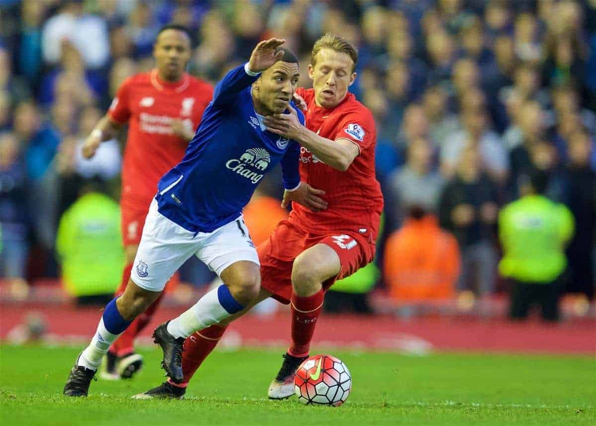 LIVERPOOL, ENGLAND - Wednesday, April 20, 2016: Liverpool's Lucas Leiva in action against Everton's Aaron Lennon during the Premier League match at Anfield, the 226th Merseyside Derby. (Pic by David Rawcliffe/Propaganda)