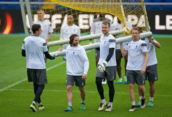VILLRREAL, SPAIN - Wednesday, April 27, 2016: Liverpool's goalkeeper Danny Ward, Joe Allen, goalkeeper Simon Mignolet and Lucas Leiva move a goal during a training session ahead of the UEFA Europa League Semi-Final 1st Leg match against Villarreal CF at Estadio El Madrigal. (Pic by David Rawcliffe/Propaganda)